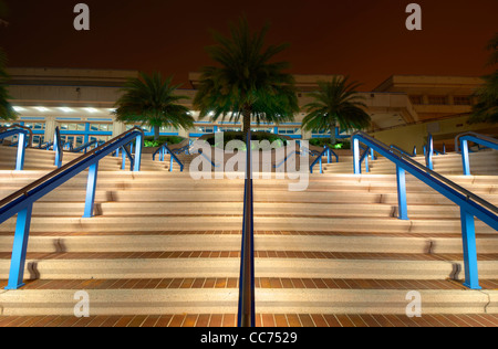 Kongresszentrum-Schritte in der Nacht - Stockfoto