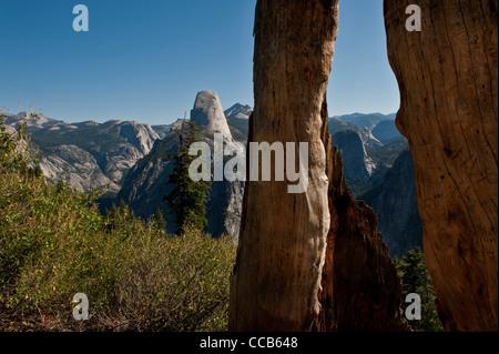 Half Dome betrachtet von der Panorama-Trail Glacial Ausgangspunkt. Yosemite-Nationalpark. Kalifornien. USA - Stockfoto