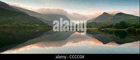 LLyn Padarn & Llanberis Pass. Snowdonia, North Wales, UK - Stockfoto
