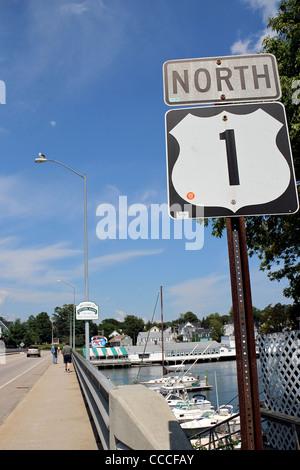 US Route 1 North, Eintritt in Kittery, Maine aus Portsmouth, New Hampshire, Vereinigte Staaten - Stockfoto