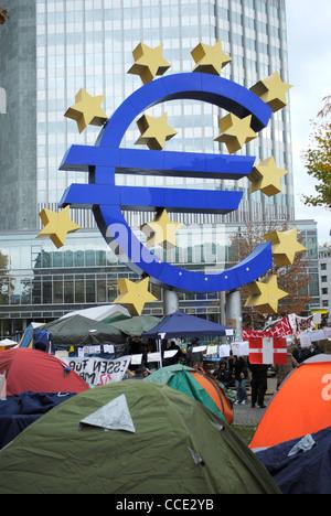Frankfurt-Camp außerhalb der Europäischen Zentralbank, Deutschland zu besetzen - Stockfoto