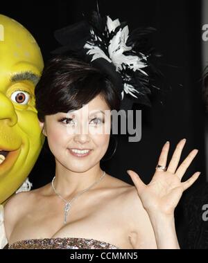 28. Oktober 2010 besucht - Tokyo, Japan - japanische Schauspielerin NORIKA FUJIWARA eine Pressekonferenz zur Förderung - Stockfoto