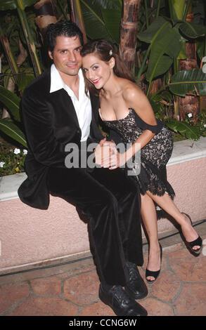 8. Oktober 2004; Beverly Hills, CA, USA; EXKLUSIV! Rufen Sie für Preis! Schauspielerin BRITTANY MURPHY und neue - Stockfoto