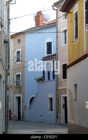 Alte Straße in der Stadt Novigrad, Istrien, Kroatien - Stockfoto