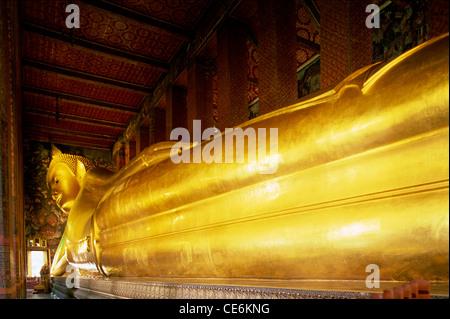 Thailand, Bangkok, Wat Pho, liegender Buddha - Stockfoto