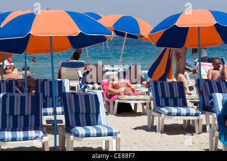 Kos: Mastichari - Sonnenanbeter am Strand - Stockfoto