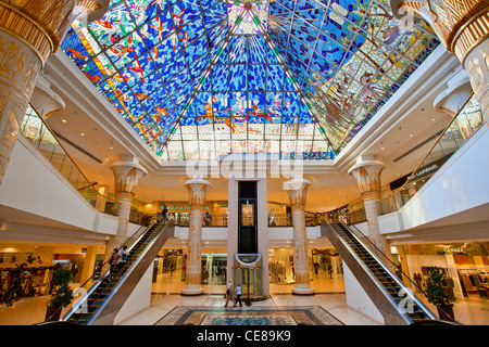 Dubai, Innenraum der Wafi City Mall - Stockfoto