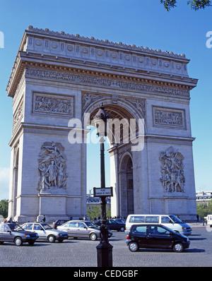 Der Arc de Triomphe, Place Charles de Gaulle, Paris, Île-de-France, Frankreich - Stockfoto