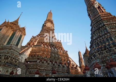 Wat Arun, der Tempel der Morgenröte, Bangkok, Thailand - Stockfoto