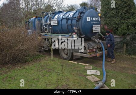 Binder Klärgrube Tanker Fahrzeug nicht gefährliches Produkt - Stockfoto