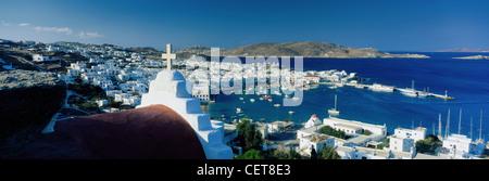 Der Hafen von Mykonos, Kykladen, Griechenland - Stockfoto