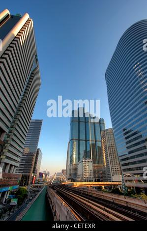 Sathorn - Chongnonsi Kreuzung in Bangkoks Central Business District - Stockfoto