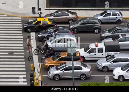 Avenida 9 de Julio, Stau, Straßenkünstler, Buenos Aires, Argentinien - Stockfoto