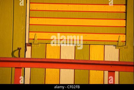 Art-Deco-Farben - Detail der Strandwache - Stockfoto