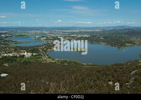 Panoramablick über Canberra und fernen New South Wales Australien - Stockfoto