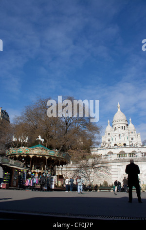 Basilika Sacre Coeur in Paris in einem frühen Frühlingstag - Stockfoto