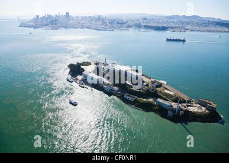 Alcatraz Gefängnis und San Francisco bay - Stockfoto