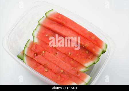 Wassermelone-Scheiben In einem Plastikbehälter; Kanada - Stockfoto