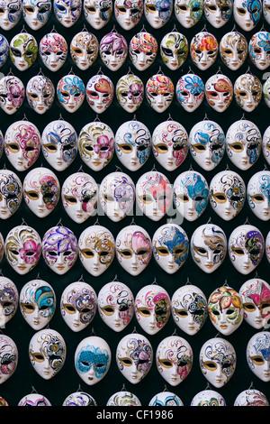Dekorative Miniatur venezianischen Karnevalsmasken - Venedig, Venezia, Italien, Europa - Stockfoto