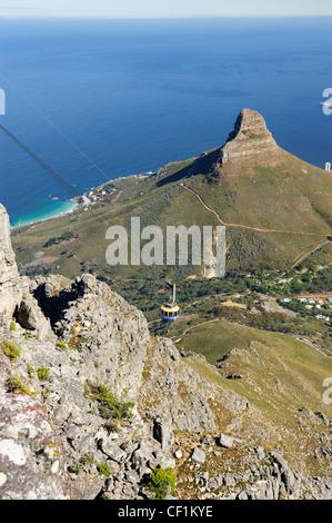 Seilbahn aufsteigend nach Tafelberg, Cape Town, Western Cape, Südafrika - Stockfoto