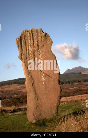 Ein stehender Stein, Teil von ein Steinkreis in Machrie Moor auf der Isle of Arran. - Stockfoto