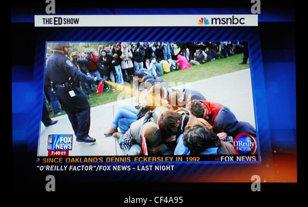 Segment auf Polizeigewalt am University of California-Davis auf MSNBC Ed The Show - Stockfoto