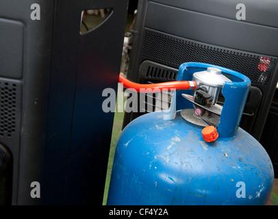 mobile heizung von butan gas in einem blauen calor lpg. Black Bedroom Furniture Sets. Home Design Ideas
