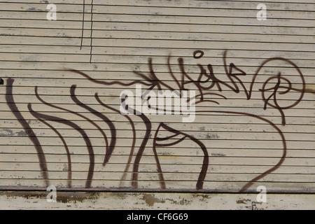 GRAFFITI auf der Abstellgleis eines Hauses - Stockfoto