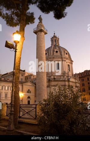 Rom - Trajan Spalte und Santa Maria di Loreto Kirche - Stockfoto