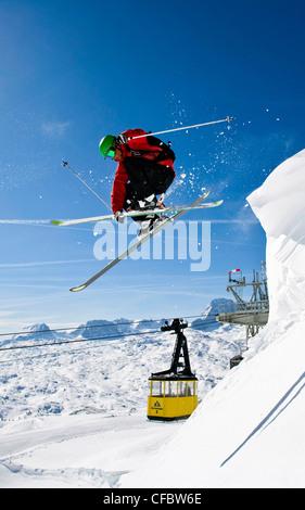Wächte, springen, Ski, Freerider, springen, Ski, sport, Action, Wintersport, Extremsport, Dachstein, Österreich, - Stockfoto