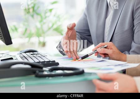 Nahaufnahme der Beschäftigten zahlen - Stockfoto