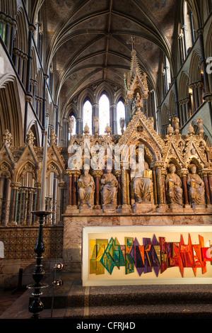 Großbritannien, England, Worcestershire, Worcester Cathedral Altar, 1969 Altar Tuch vertritt Kathedrale spiegelt - Stockfoto