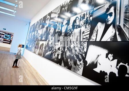 London, UK. 8. Oktober 2012. Tate Modern neue Ausstellung der Arbeiten von William Klein + Daido Moriyama (Arbeitsplatz - Stockfoto