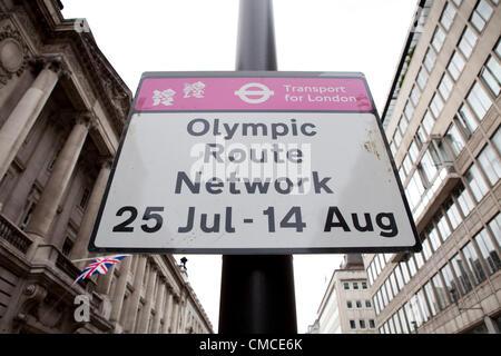 Ein olympischer Streckennetz unterzeichnen in Westminster, Zentrum von London.  Taxifahrer London schwarz statt - Stockfoto
