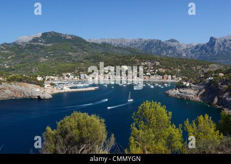 Blick über die Bucht und den Hafen, Port de Soller, Mallorca (Mallorca), Balearen, Spanien, Mittelmeer, Europa - Stockfoto
