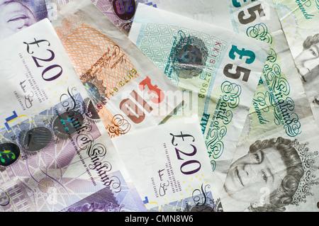 Nahaufnahme von einem Haufen von britische Banknoten - Stockfoto