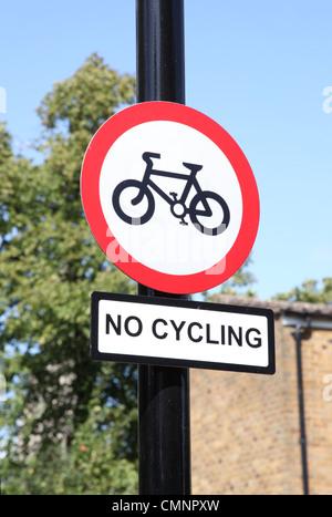 Ein kein Radsport Zeichen in London. - Stockfoto