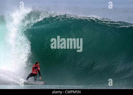 Australische Surfer, die Dean Morrison im Wettbewerb mit der 2007 Rip Curl Search im El Gringo statt. Arica, Tarapaca, - Stockfoto