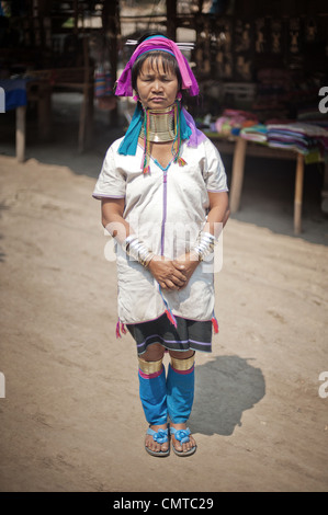 Karen Long Neck Bergvolk. Thailand. - Stockfoto