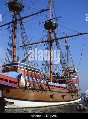 Mayflower II Replik Schiff, Plymouth Rock, Plymouth Harbor, Plymouth, Massachusetts, Vereinigte Staaten von Amerika - Stockfoto