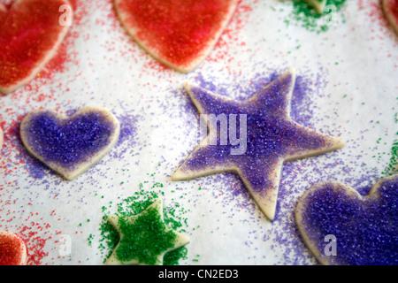 Sterne und Herzen geformt Cookies - Stockfoto