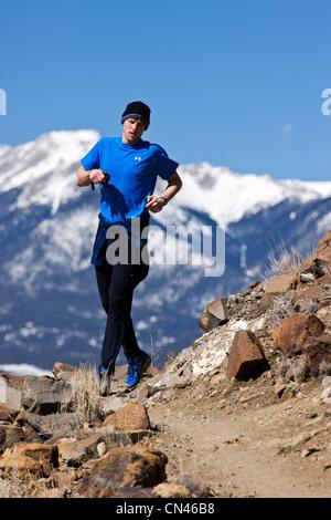 Läufer konkurrieren im laufen durch Zeit Halbmarathon, Salida, Colorado, USA - Stockfoto