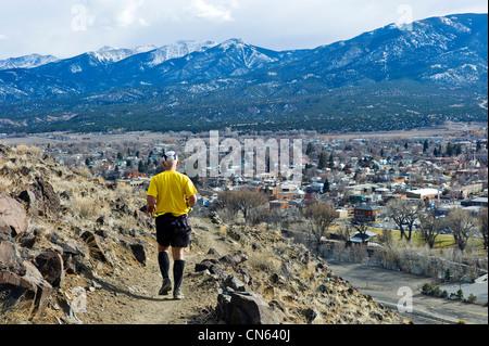 Läufer konkurrieren beim laufen durch Zeit-Marathon, Salida, Colorado, USA - Stockfoto