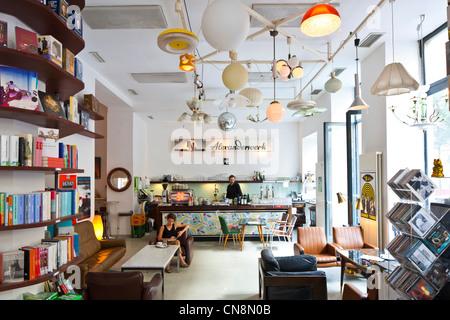 Wien Gumpendorfer Strasse Phil Café Und Shop Verkauf Von Büchern