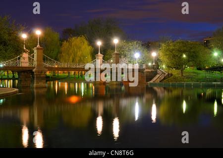 Lagune-Brücke an der Boston Public Gardens in Boston, Massachusetts. - Stockfoto