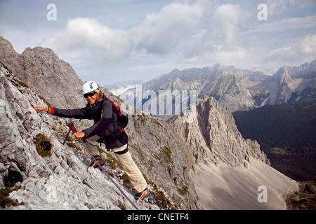 Kletterausrüstung Innsbruck : Bergsteiger innsbrucker klettersteig via ferrata