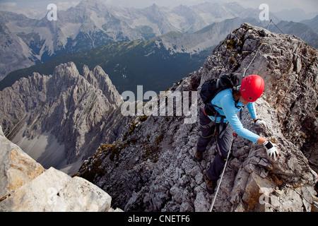 Klettersteigset Innsbruck : Bergsteiger innsbrucker klettersteig via ferrata