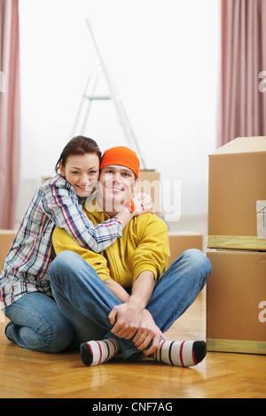 Porträt der Bewegung junges Paar unter Boxen - Stockfoto