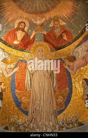 Rom - Mosaik der Jungfrau Maria aus der Apsis der Kirche