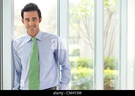 Porträt eines executive lächelnd - Stockfoto